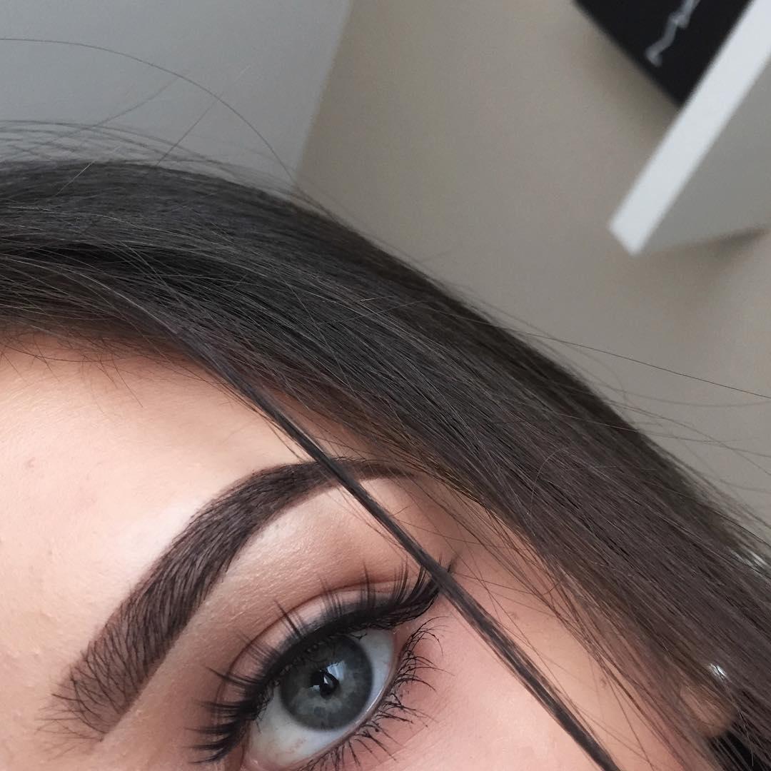 plan cul yeux bleus